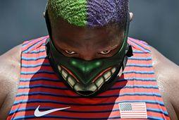 Raven Saunders með glæsilega Hulk-grímu í morgun.