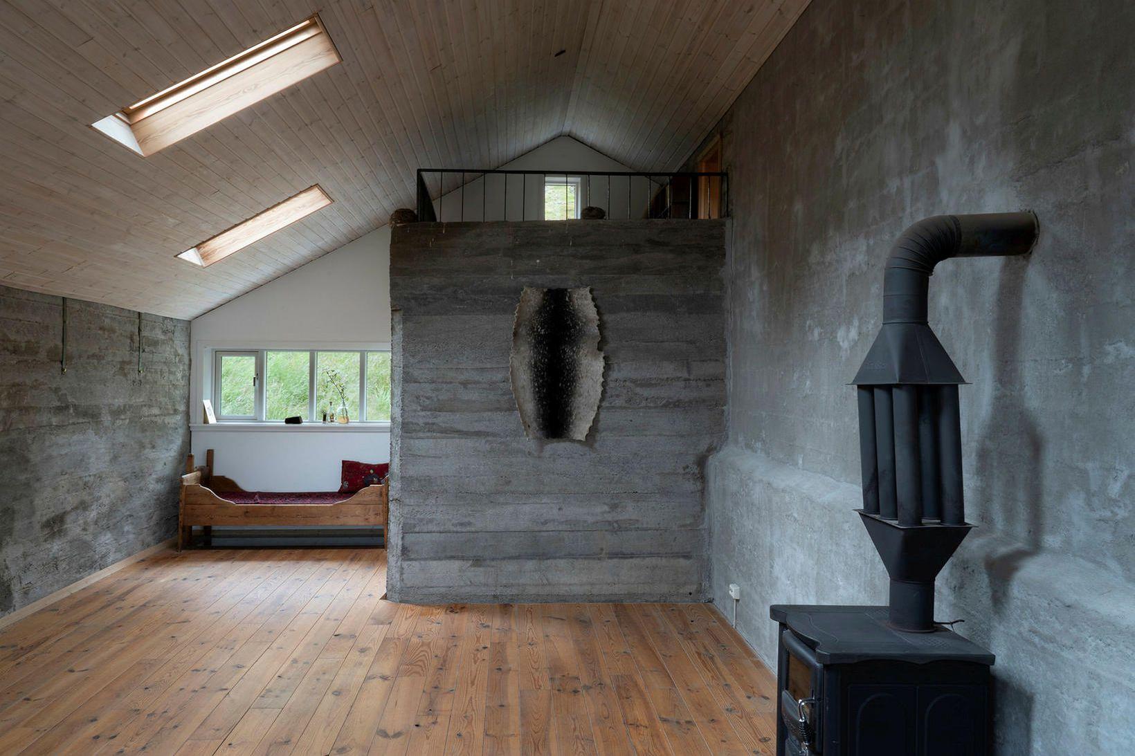 Edurbygging af gamalli hlöðu á Skarðströnd í Dalabyggð, Nýp guesthouse.