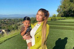 Kylie Jenner og Stormi eru alltaf flottar á því.