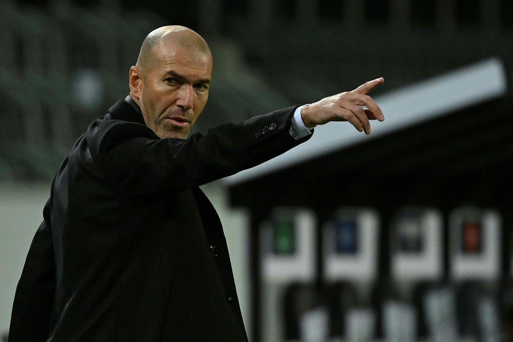 Zinedine Zidane á hliðarlínunni í Þýskalandi í gær.
