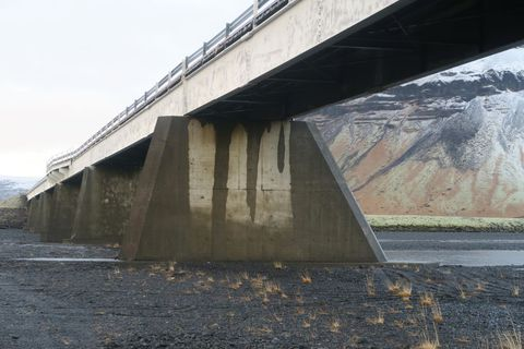 The accident occurred on the Núpsvötn bridge on December 27th.