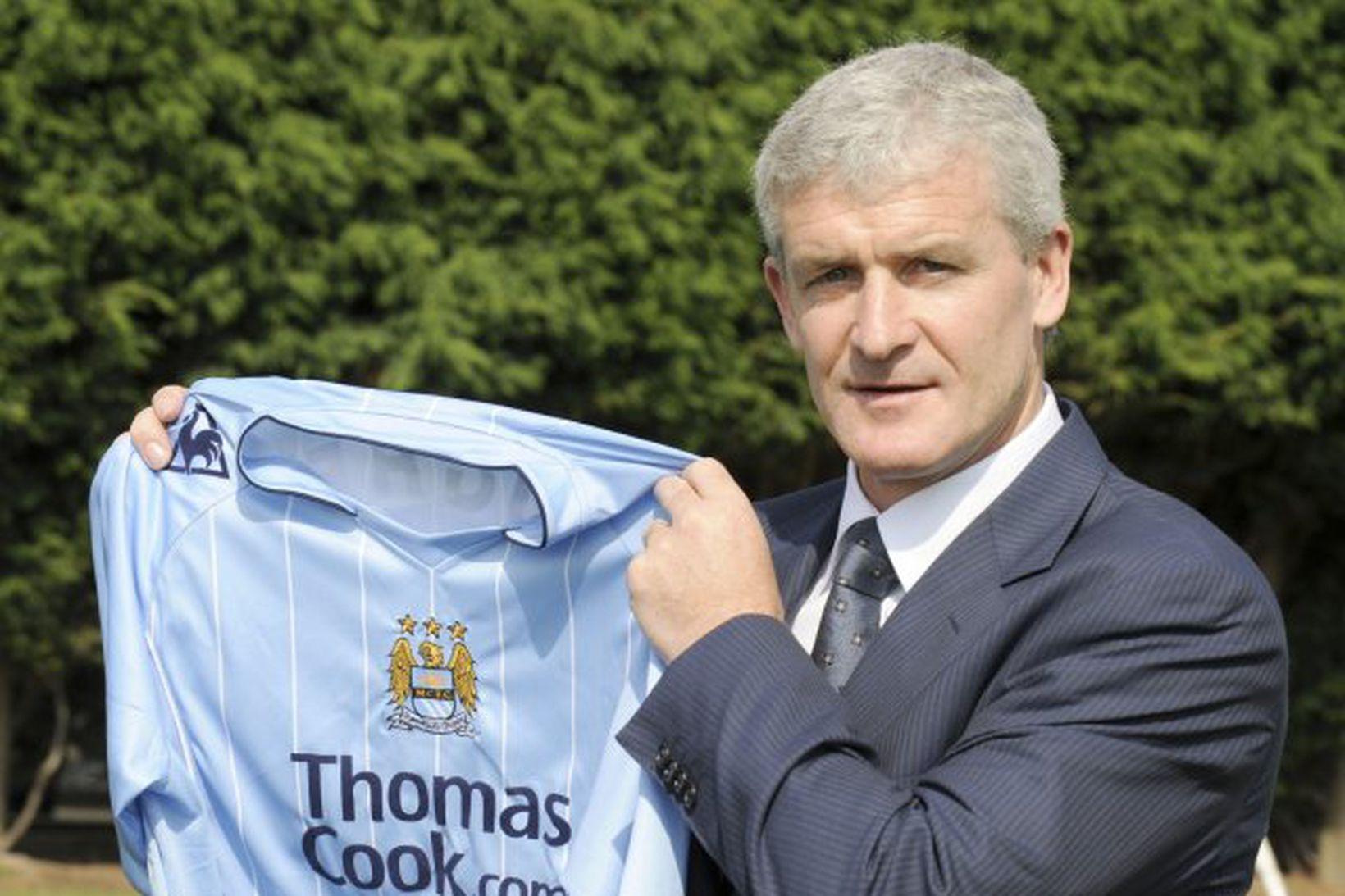 Fyrsti opinberi leikur Mark Hughes með lið Manchester City gæti …