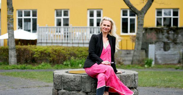 """""""Ég held að við myndum sem samfélag græða á því að hlusta meira á listamenn …"""