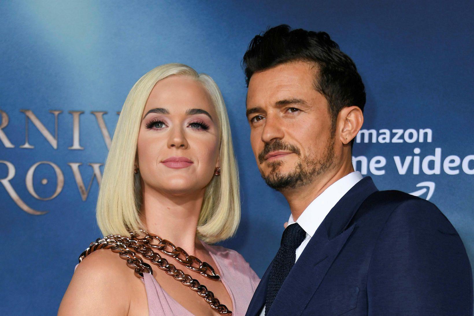 Orlando Blooom og Katy Perry eiga von á barni.