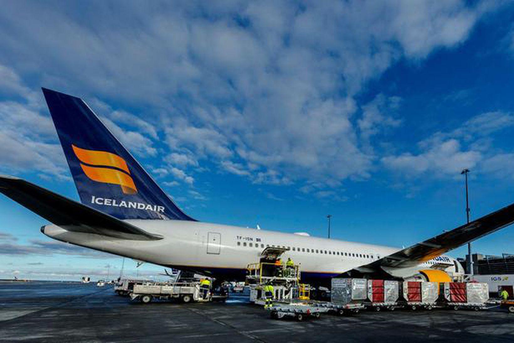 Vél af gerðinni Boeing 767-300 flutti varninginn til landsins, en …
