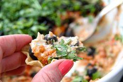 Dröfn ber ídýfuna gjarnan fram með litlum nachos-skálum.