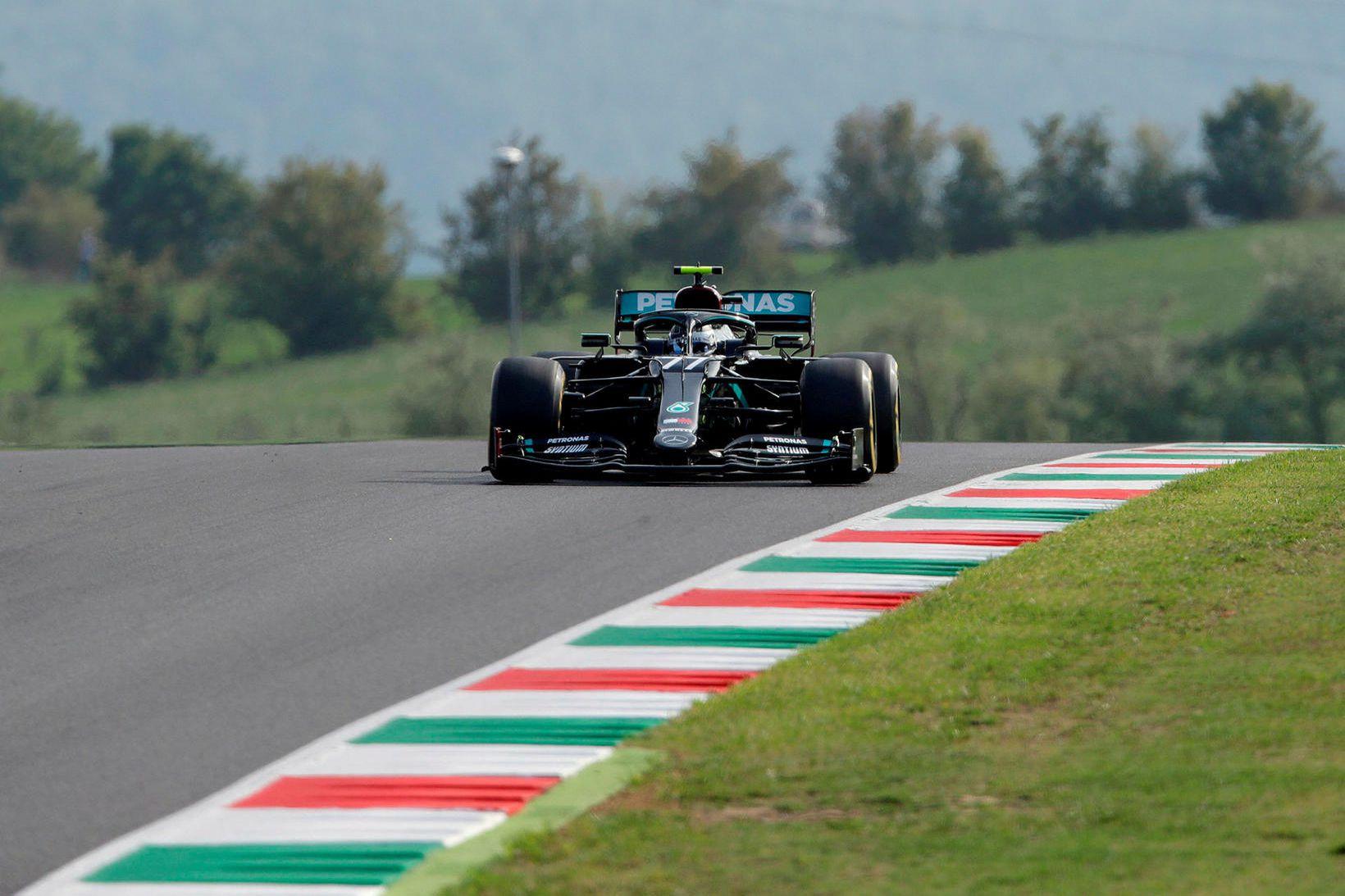 Valtteri Bottas á Mercedes á seinni föstudagsæfingunni í Mugello.