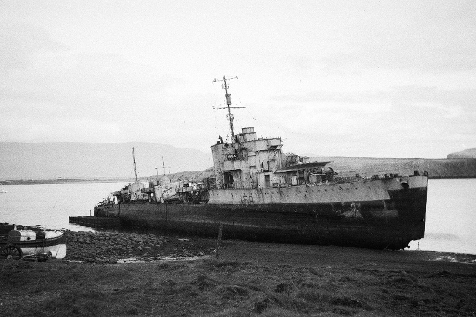 Frá því þegar kanadíski tundurspillirinn Skeena strandaði við Viðey.
