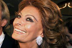 Sophia Loren er ítölsk og segir hlutina eins og þeir eru. Hún vann sig upp ...