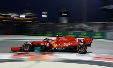 Fyrsta stúlkan í Ferrari-skólann