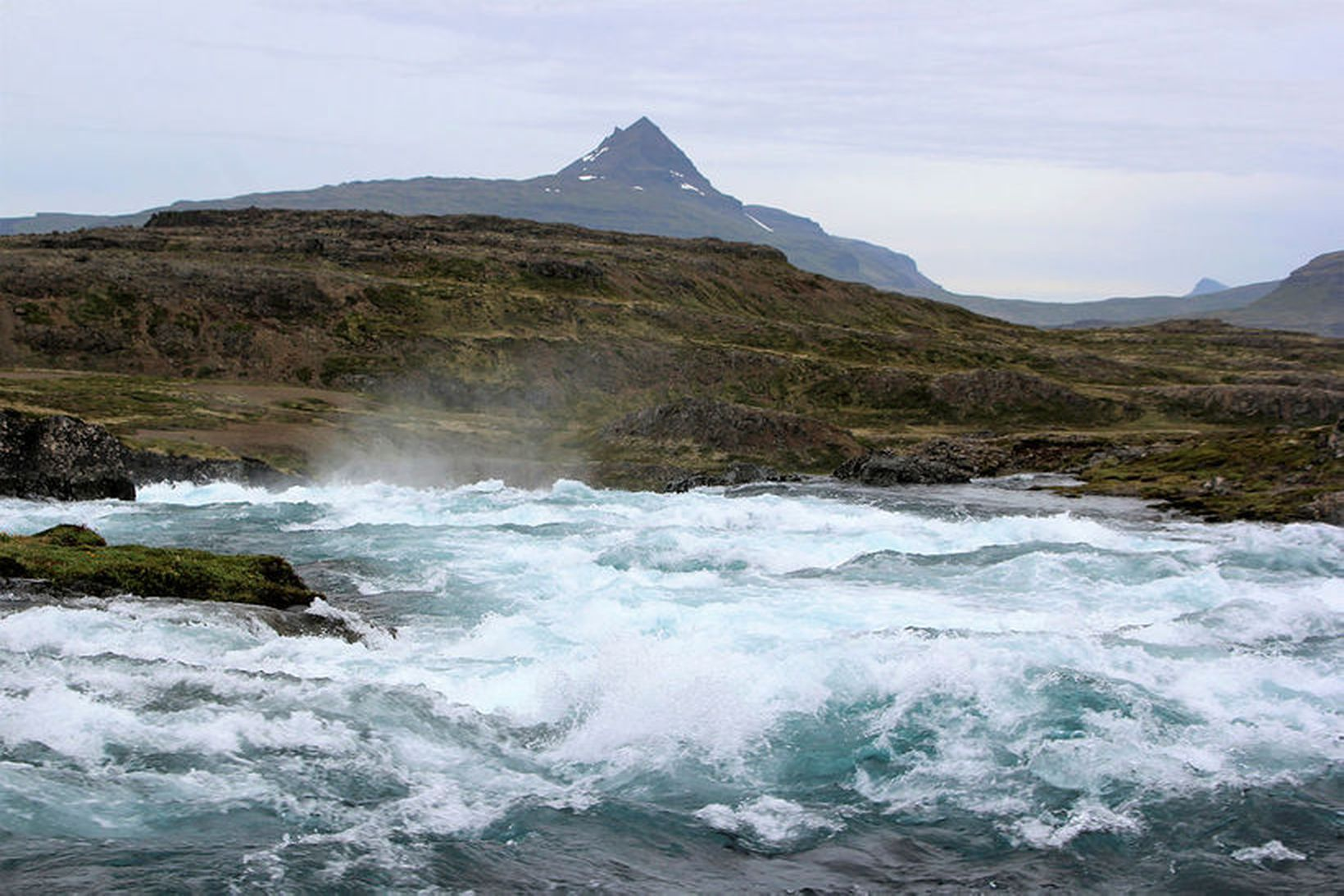 Við Hvalá í Árneshreppi á Ströndum.