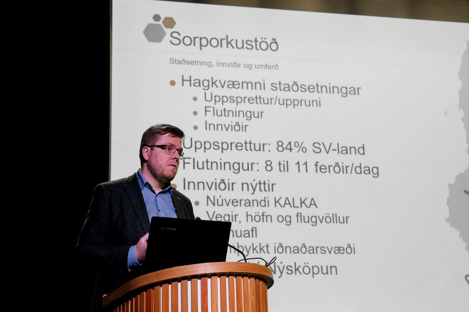 Karl Eðvaldsson kynnir hugmyndir um sorporkustöð.