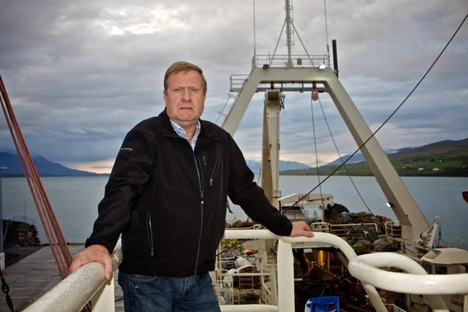 Arngrímur Brynjólfsson skipstjóri var látinn sæta farbanni vegna meintra ólöglegra …