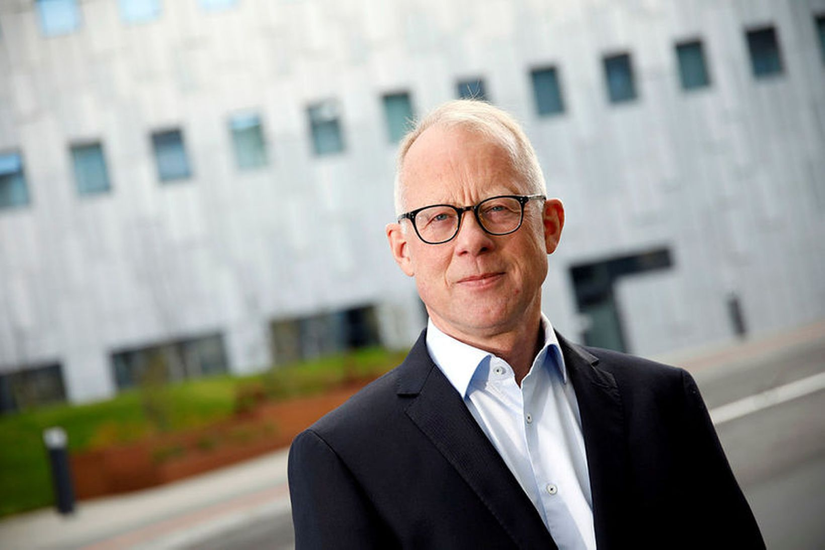 Dr. Haukur Arnþórsson stjórnsýslufræðingur segir að verið sé að fara …