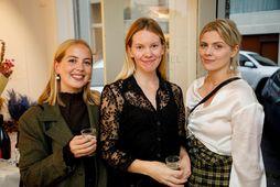 Margrét Jóhannsdóttir, Elín Jóhannsdóttir og Sigrún Guðmundsdóttir.