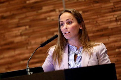Heiðrún Lind Marteinsdóttir, Framkvæmdastjóri SFS, segir veiðigjöld ársins 2020 nema rétt rúmlega helming af hreinum ...