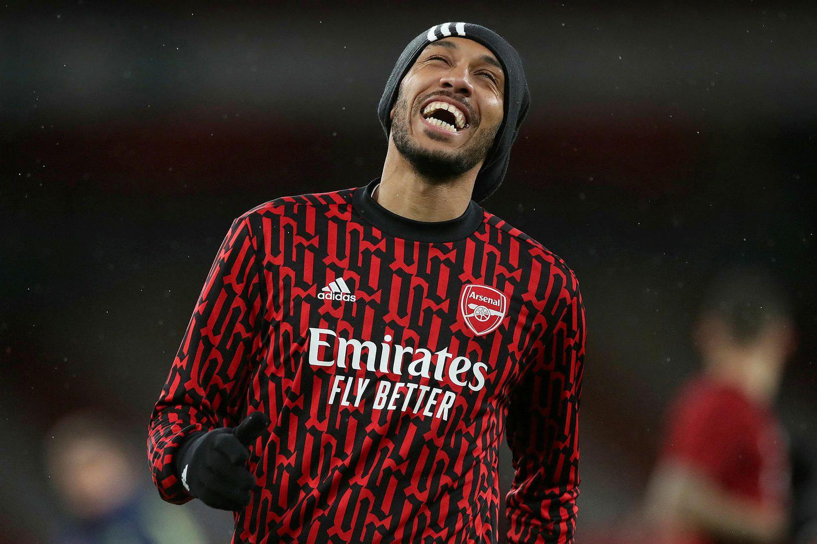 Pierre-Emerick Aubameyang er launahæsti leikmaður Arsenal ásamt Mesut Özil.