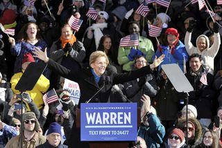 Elizabeth Warren lýsti yfir framboði sínu til forseta á fundi með kjósendum í Massachusetts í ...