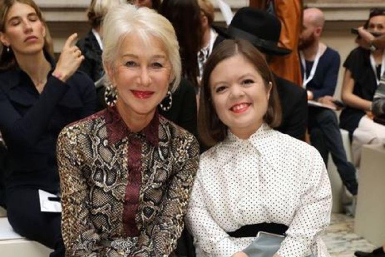 Victoria Beckham birti mynd af Helen Mirren og Sinéad Burke …