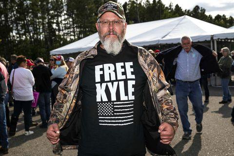 Frá göngu til stuðnings Donald Trump í september. Free Kyle er vísun í Kyle Rittenhouse.