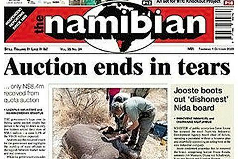 """Forsíða The Namibian: """"Uppboðið endar með tárum."""""""