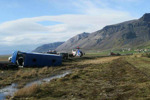 Tveir farþegar liggja enn á Sjúkrahúsinu á Akureyri.