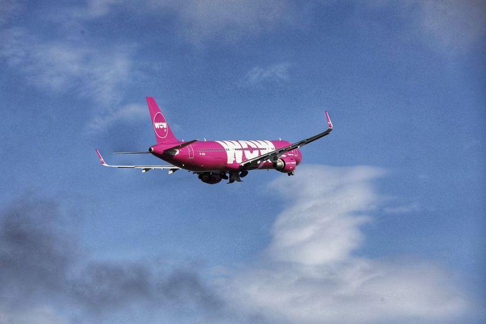 TF-GPA, vél ALC af gerðinni Airbus A321, flaug burt 19. ...