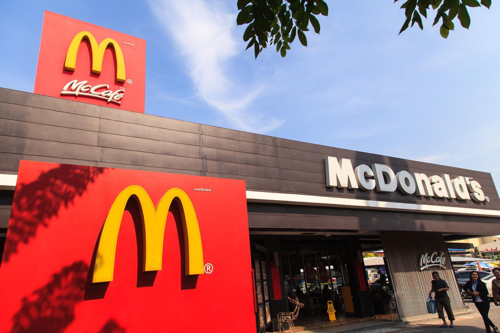 McDonalds í Svíþjóð býður nú upp á Happy Meal fyrir …