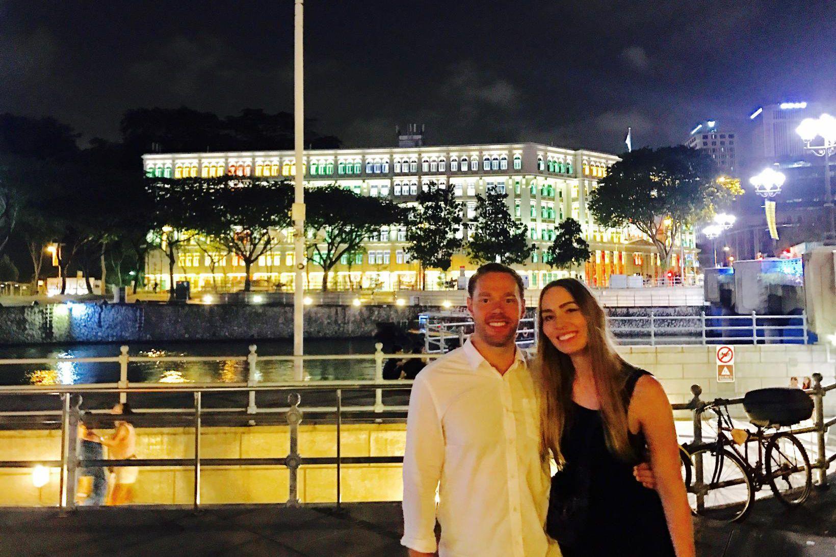 María og Ellert í Singapúr.