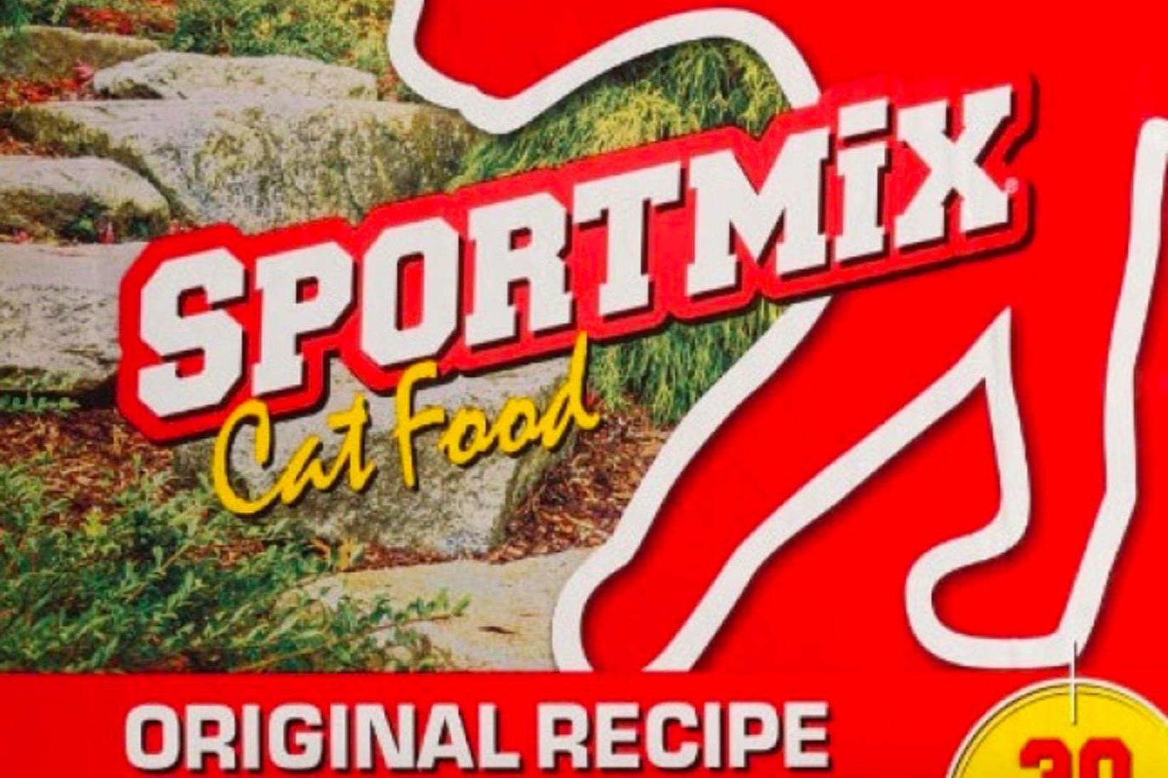 Sportmix original cat food.