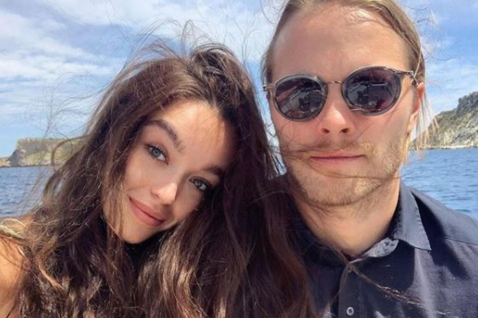 Sophie Gordon og Birkir Bjarnason eru ástfangin.