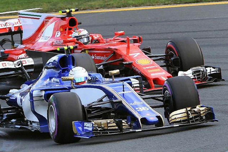 Nýja Ferrarivélin passar ekki í í bíla Sauber. Hér er stutt í að Kimi Räikkönen …
