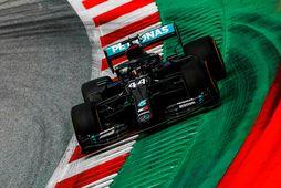 Lewis Hamilton tekur æfingahring í Austurríki.