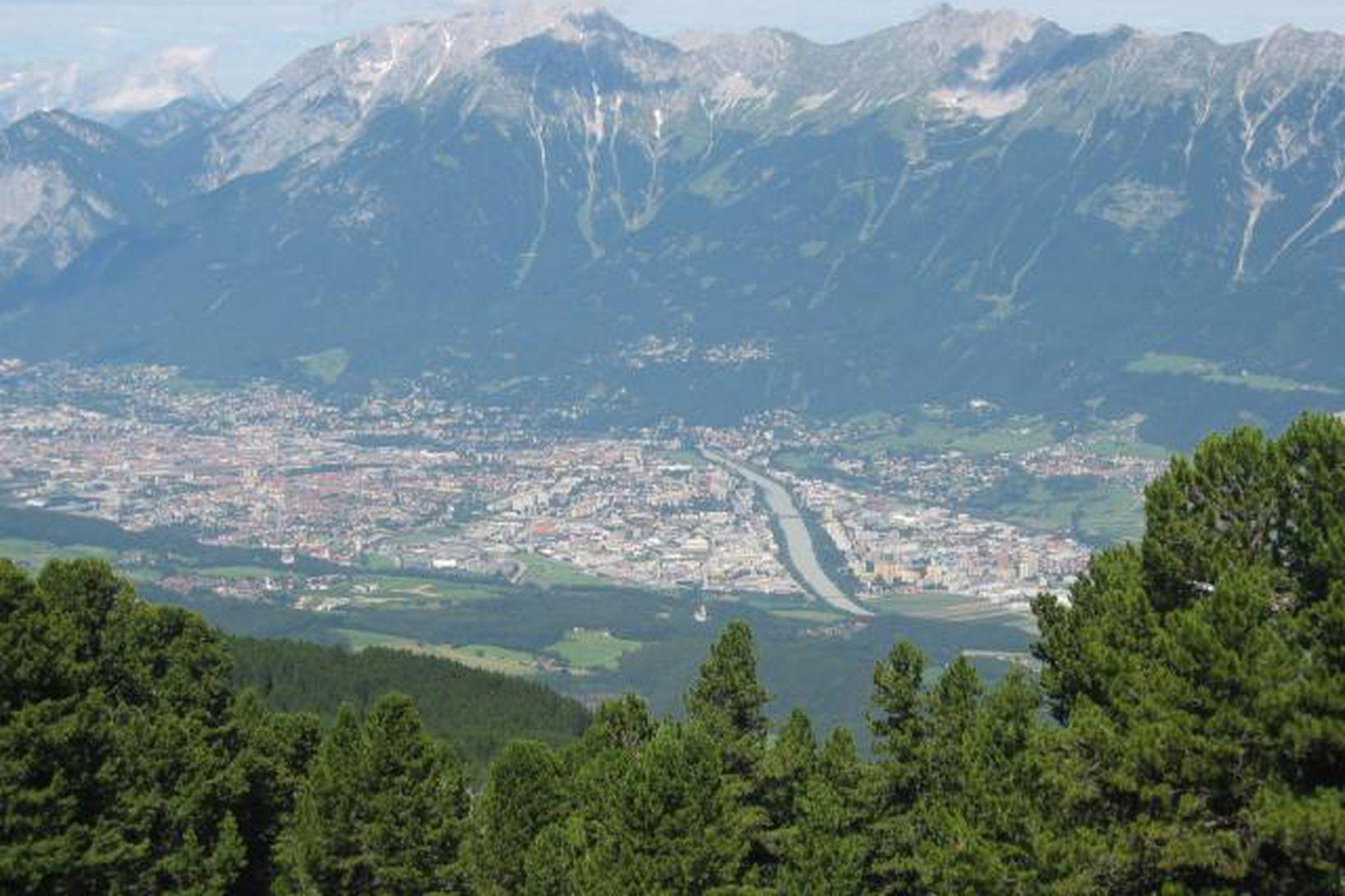 Horft yfir Innsbruck í Austurríki.