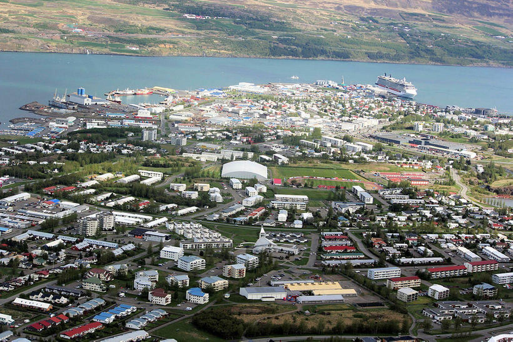 Fasteignasala í bænum þykir hafa verið góð að undanförnu.