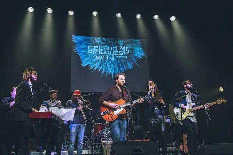 Markús & The Diversion Sessions létu í sér heyra í Tjarnarbíói.