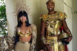Khloé Kardashian klæddi sig upp með fjölskkyldu sinni á hrekkjavökunni.