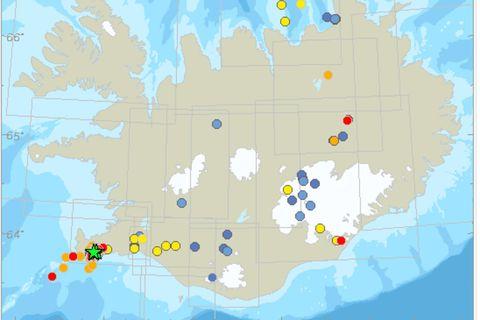 A green star indicates an earthquake of magnitude 3 or more.