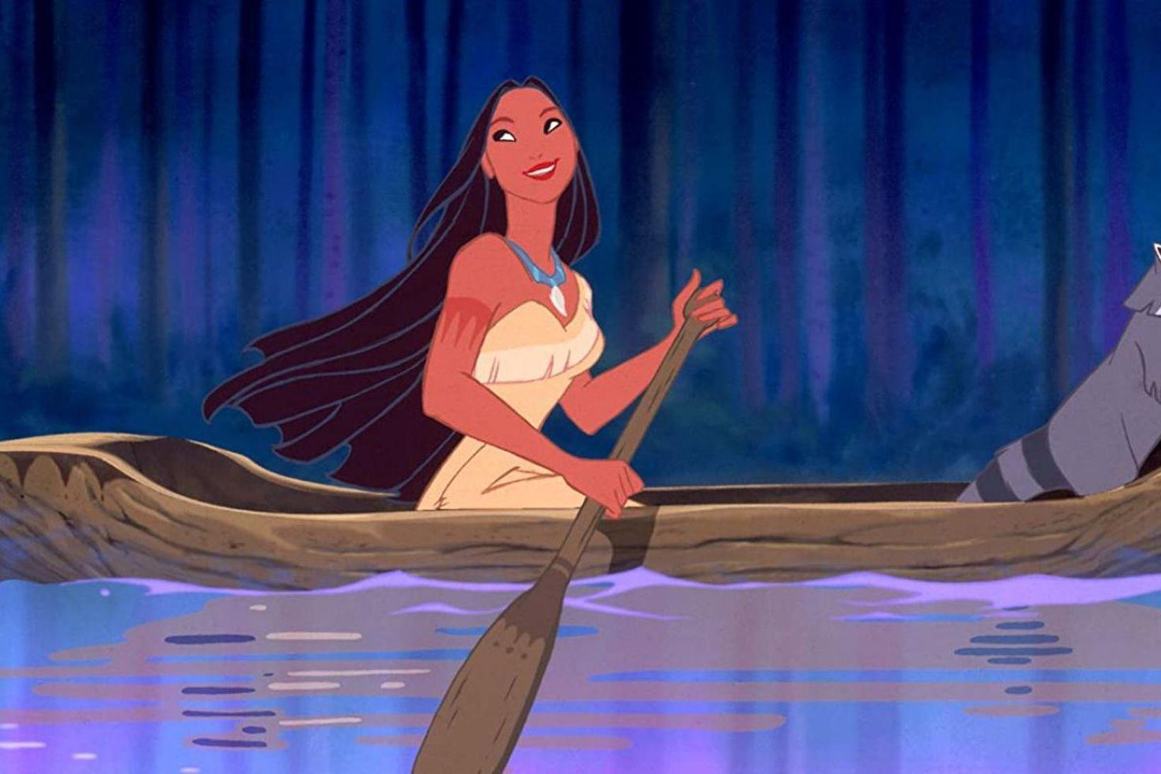 Irene Bedard talaði fyrir Pocahontas í teiknimyndinni.