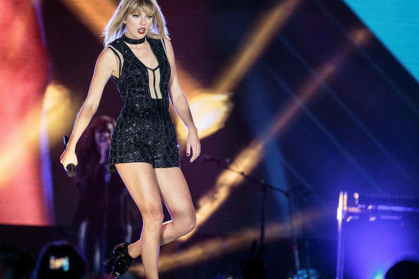 Taylor Swift lætur ekki sjá sig með órakaða leggi.