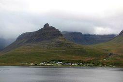 """Frá Súðavík. """"Það er óumdeilt að sjávarútvegur er burðarásinn í flestum samfélögum á Vestfjörðum,"""" segir …"""