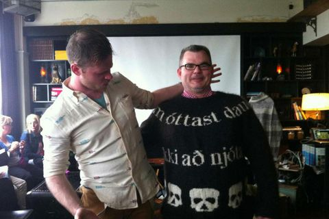 Lars wearing a DEAD inspired sweater with knititng designer Stephen West.
