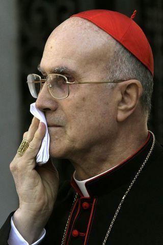 Tarcisio Bertone kardínáli.