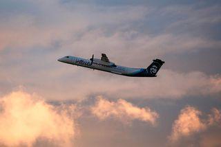 Flugvél af gerðinni Bombardier Q400 eins og sú sem Russell stal á alþjóðaflugvellinum í Seattle.