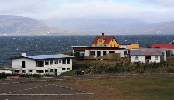 Auðarskóla lokað vegna hópsmits