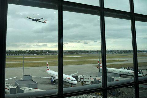 Heathrow-flugvöllur er við London.