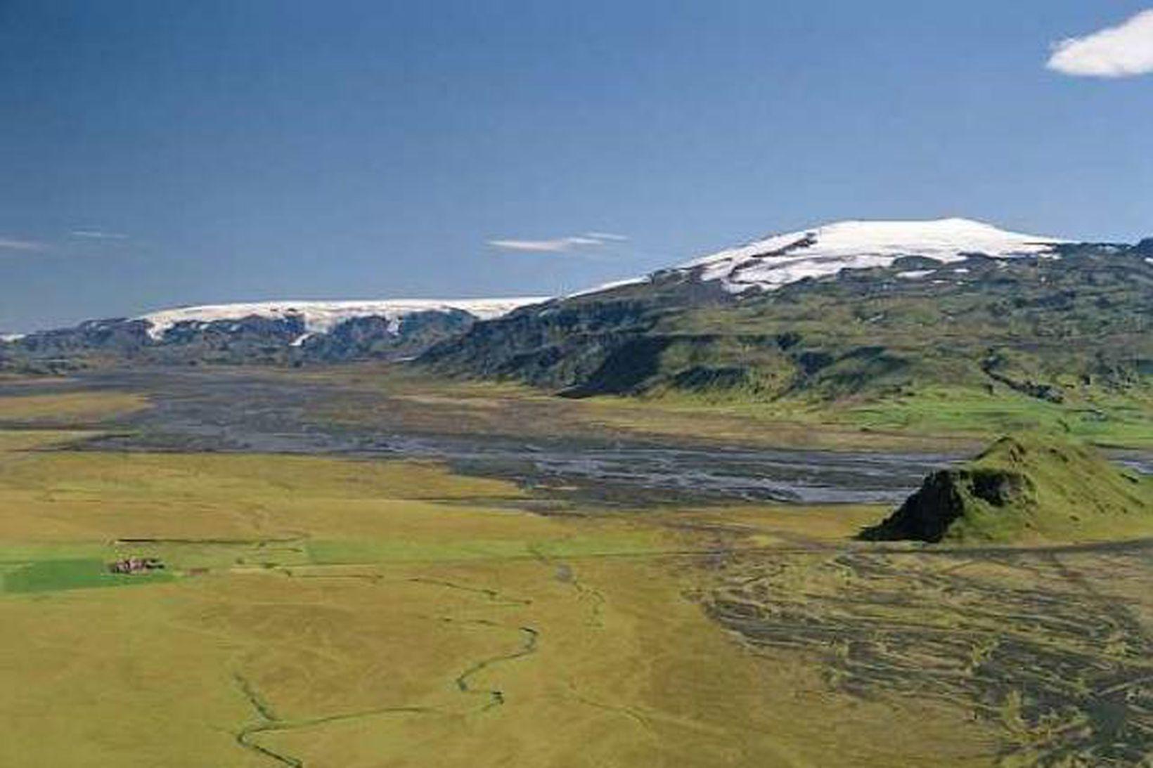Markarfljót. Á myndinni sjást Eyjafjallajökull og Stóri-Dímon.