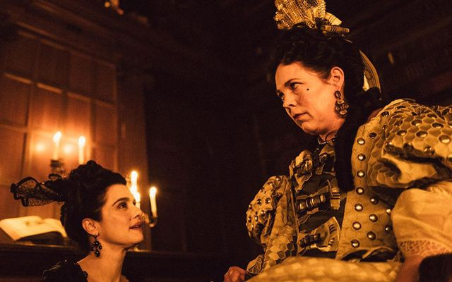 Rachel Weiss og Olivia Colman í The Favourite.