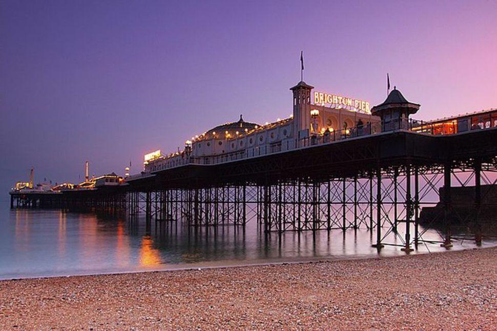 Brighton er borg á suðurströnd Bretlands.