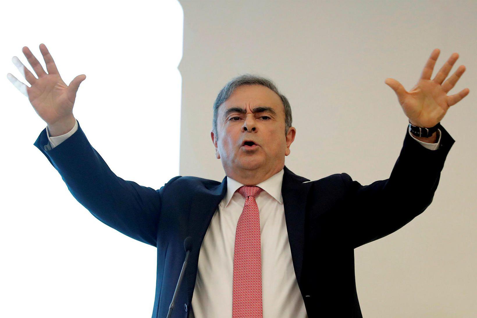 Flúði Carlos Ghosn, fyrrverandi forstjóri Nissan, frá Japan til Líbanon …